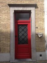 I love me some fun doors- especially Red Doors